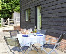 Snaptrip - Last minute cottages - Tasteful Wealden Cottage S50825 -