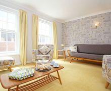 Snaptrip - Last minute cottages - Splendid Chichester Cottage S59427 -