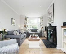 Snaptrip - Last minute cottages - Attractive New Alresford Cottage S50987 -
