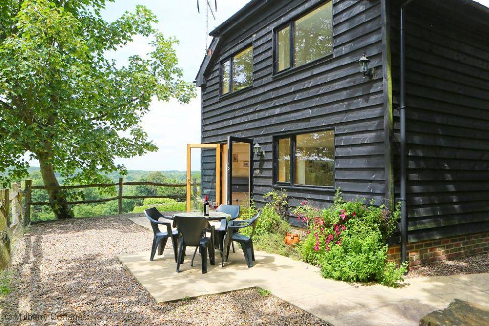 Quaint Boarshead Cottage Photo 1