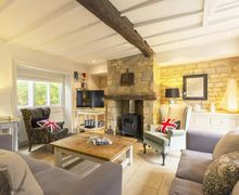 Snaptrip - Last minute cottages - Delightful Bourton On The Hill Cottage S61008 -