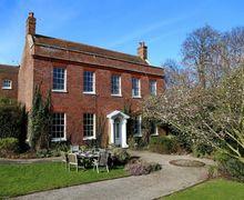 Snaptrip - Last minute cottages - Tasteful Faversham Cottage S51051 -