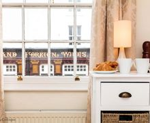 Snaptrip - Last minute cottages - Cosy Portsmouth Cottage S50784 -