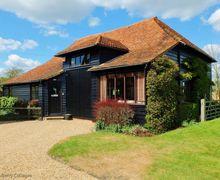 Snaptrip - Last minute cottages - Quaint Tonbridge Cottage S50833 -