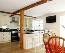 Snaptrip - Last minute cottages - Beautiful Worth Cottage S50641 -