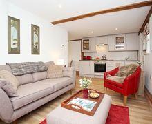 Snaptrip - Last minute cottages - Splendid Wrotham Heath Cottage S50838 -
