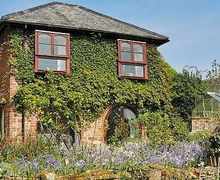 Snaptrip - Last minute cottages - Wonderful Exeter Cottage S18759 -