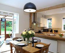 Snaptrip - Last minute cottages - Attractive Crowborough Cottage S50880 -