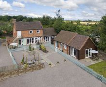 Snaptrip - Last minute cottages - Lovely Burlton Cottage S78835 -