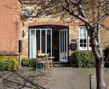 Snaptrip - Last minute cottages - Quaint Whitstable Cottage S79341 -