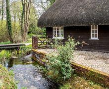 Snaptrip - Last minute cottages - Exquisite Forton Cottage S80403 -