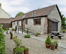 Snaptrip - Holiday cottages - Luxury Seaton Cottage S18802 -