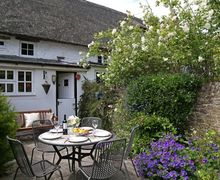 Snaptrip - Last minute cottages - Delightful Stanford In The Vale Cottage S51104 -