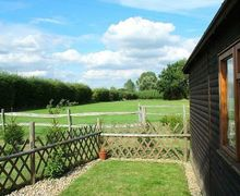 Snaptrip - Last minute cottages - Wonderful Tonbridge Cottage S50773 - Grapevine Lodge is surrounded by heavenly countryside