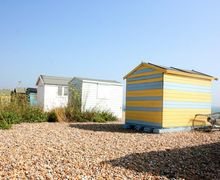 Snaptrip - Last minute cottages - Splendid Kingsdown Cottage S50821 - Explore in between the beach huts