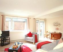 Snaptrip - Last minute cottages - Quaint Hythe Cottage S51036 - UK Holiday Accommodation