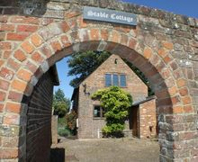 Snaptrip - Last minute cottages - Inviting New Romney Cottage S50984 -