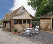 Snaptrip - Last minute cottages - Cosy East Brabourne Cottage S51064 -