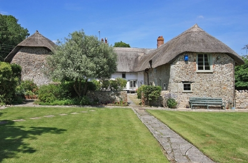 Snaptrip - Last minute cottages - Adorable Seaton Cottage S18825 -