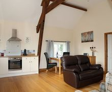Snaptrip - Last minute cottages - Beautiful Burlton Cottage S74035 -