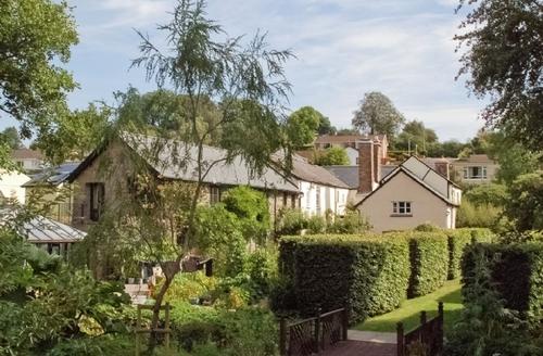 Snaptrip - Last minute cottages - Captivating Tiverton Cottage S18829 -