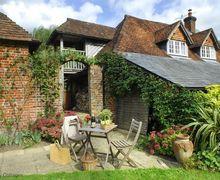 Snaptrip - Last minute cottages - Wonderful West Tytherley Cottage S71434 -