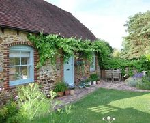 Snaptrip - Last minute cottages - Tasteful North Chailey Cottage S83490 -
