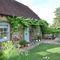Snaptrip - Last minute cottages - Tasteful North Chailey Cottage S83490 -