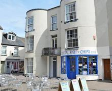 Snaptrip - Last minute cottages - Adorable Teignmouth Apartment S83805 -