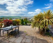 Snaptrip - Last minute cottages - Adorable Shaldon Cottage S83890 - RIVVIE_9.jpg
