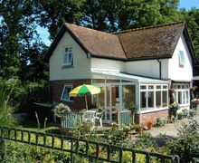 Snaptrip - Last minute cottages - Inviting Chagford Cottage S33972 -