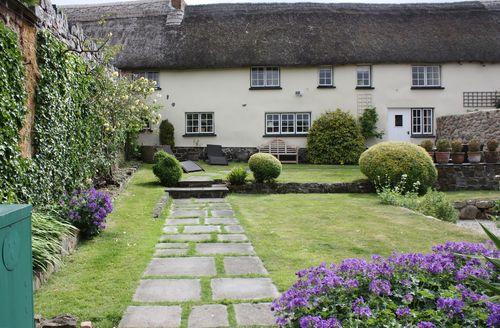 Exquisite Drewsteignton Cottage S34008