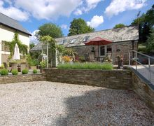 Snaptrip - Last minute cottages - Luxury Milton Combe Cottage S34030 -
