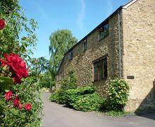 Snaptrip - Last minute cottages - Inviting North Perrott Cottage S34112 -