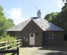 Snaptrip - Holiday cottages - Lovely Porlock Weir Cottage S34154 -