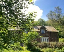 Snaptrip - Last minute cottages - Delightful Bratton Cottage S34157 -