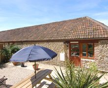 Snaptrip - Last minute cottages - Inviting Axminster Cottage S34221 -