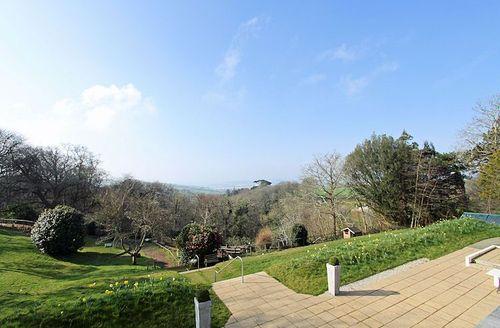 Snaptrip - Last minute cottages - Tasteful Par Lodge S1572 - Views of the grounds