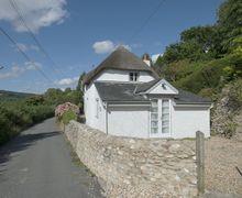 Snaptrip - Last minute cottages - Adorable Combpyne Cottage S34208 -