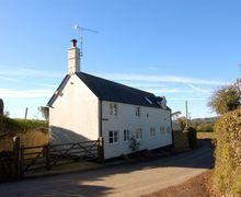 Snaptrip - Last minute cottages - Tasteful Shave Cross Cottage S34247 -