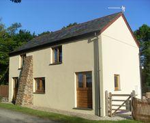 Snaptrip - Last minute cottages - Lovely Roadford Lake Cottage S34282 -