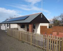 Snaptrip - Last minute cottages - Inviting Welcombe Mouth Cottage S34296 -