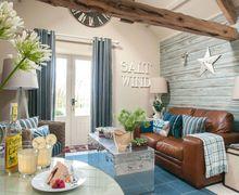 Snaptrip - Last minute cottages - Captivating Clovelly Cottage S34300 -