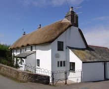 Snaptrip - Last minute cottages - Tasteful Stoke Cottage S34297 -