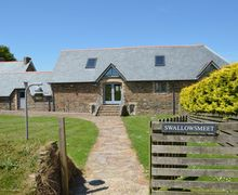 Snaptrip - Last minute cottages - Exquisite Battisborough Cross Cottage S34322 -