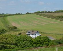 Snaptrip - Last minute cottages - Stunning Ringmore Cottage S34331 -