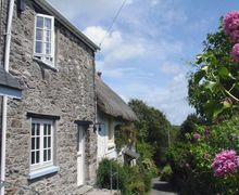 Snaptrip - Last minute cottages - Beautiful Hallsands Cottage S34335 -