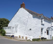 Snaptrip - Last minute cottages - Cosy Trelights Cottage S34487 -