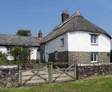 Snaptrip - Last minute cottages - Delightful Woolley Cottage S34522 -