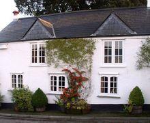 Snaptrip - Last minute cottages - Delightful Tregadillett Cottage S34525 -